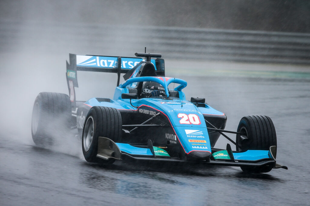 Calan Williams racing in the wet